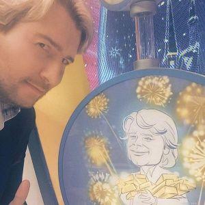 Подробнее: Николай Басков подарил бабушке миллион