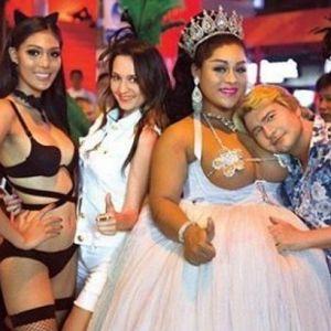 Подробнее: Николай Басков прилег на грудь трансвестита