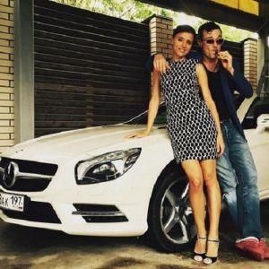 Подробнее: Егор Бероев с женой выжили из дома семью пенсионера