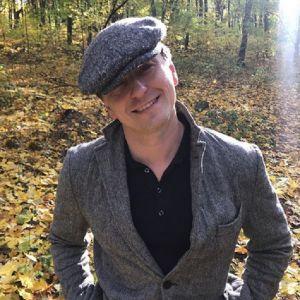 Подробнее: Сергей Безруков запечатлел  беременную жену во время прогулки по парку