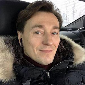 Подробнее: Дочка Сергея Безрукова познакомилась с Дедом Морозом