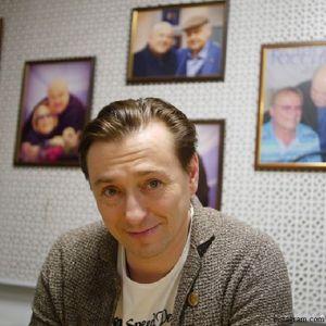 Подробнее: Сергей Безруков взял на премьеру своего спектакля 4-месячного сына