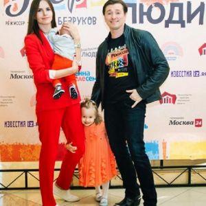 Подробнее: Сергей Безруков показал 5-месячного «энергичного сына режиссера»