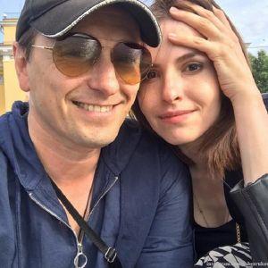 Подробнее: Сергей Безруков показал семейный отдых на даче