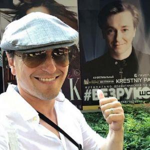 Подробнее: Сергей Безруков показал самую преданную свою поклонницу