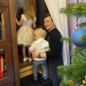 Подробнее: Сергей Безруков в честь Пасхи впервые показал лицо подросшего сына