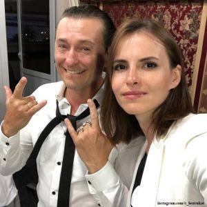 Подробнее: Сергей Безруков показал фото с дочерью Машей в костюме собачки