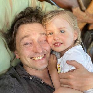 Подробнее: Сергей Безруков поделился фото дочери Маши в день ее рождения