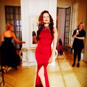 Подробнее: Ирина Безрукова продает с молотка свое свадебное платье