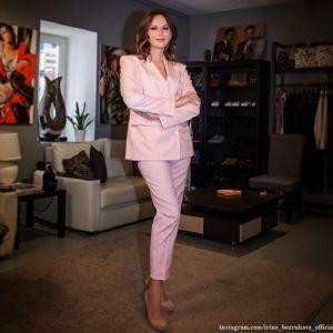 Подробнее: Ирина Безрукова показала, как в 54 года выглядит без косметики