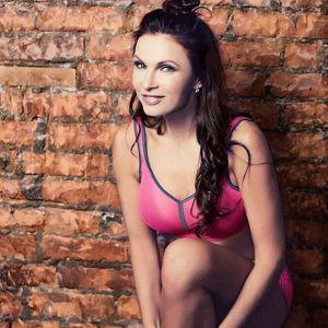 Подробнее:  Эвелина Бледанс не хочет делить свои деньги с новым мужем