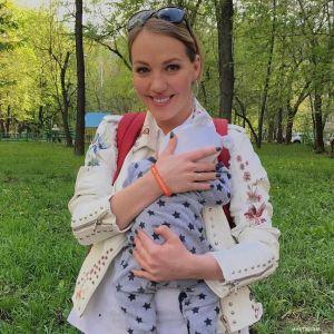 Подробнее: Галина Боб снялась абсолютно голой на 9-ом месяце беременности