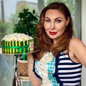 Подробнее: Наталья Бочкарева похвасталась своей большой грудью