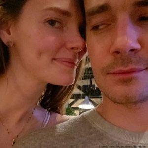 Подробнее: Елизавета Боярская показала романтичный поцелуй с мужем