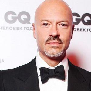 Подробнее: Федор Бондарчук оседлал пони