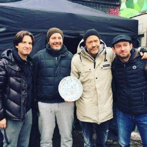 Подробнее: Бондарчук и Хабенский снимаются в экранизации романа Минаева «Селфи»
