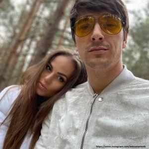 Подробнее: Жена Станислава Бондаренко трогательно призналась мужу в любви