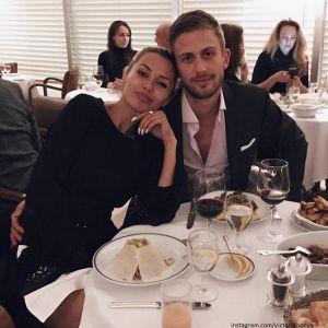 Подробнее: Папарацци сняли, как муж Виктории Бони целуется с другой
