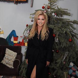 Подробнее: Бывший супруг Даны Борисовой с помощью полиции забрал у нее дочь