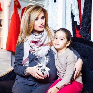 Подробнее: Ксения Бородина познакомила своих девочек