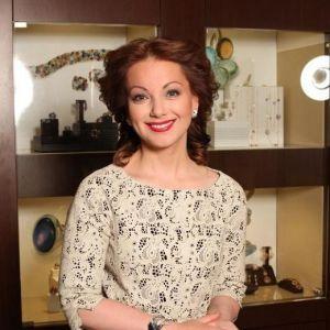 Подробнее: Ольга Будина решила лично показывать фильм «Блеф, или С Новым годом!» в разных городах России.