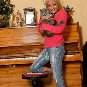 Подробнее: Татьяна Буланова не исключает, что в третий раз выйдет замуж за своего бывшего