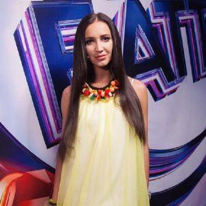 Подробнее: Ольга Бузова на коне приехала на премию МУЗ ТВ (видео)