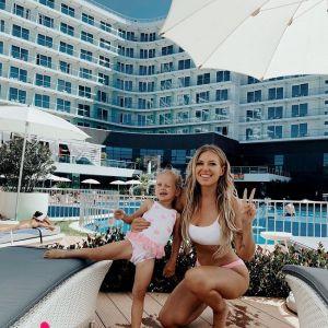 Подробнее: Рита Дакота поделилась фото в розовом купальнике