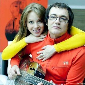 Подробнее: Жена Дмитрия Диброва записала ему песню (видео)