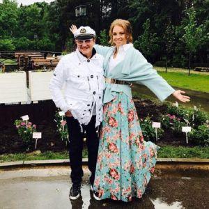 Подробнее: Жена Дмитрия Диброва похвасталась своей фигурой в купальнике