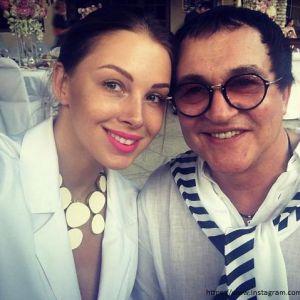 Подробнее: Жена Дмитрия Диброва рассказала о недуге мужа