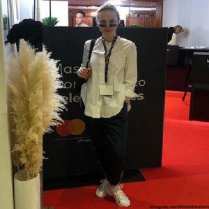 Подробнее: Альбина Джанабаева появилась на фестивале в Каннах в красном платье с роскошным декольте
