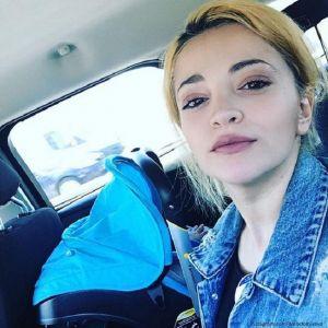Подробнее: Теона Дольникова обходится без няни