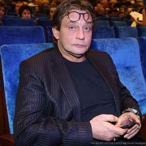 Подробнее: Александр Домогаров снимается у сына - режиссера