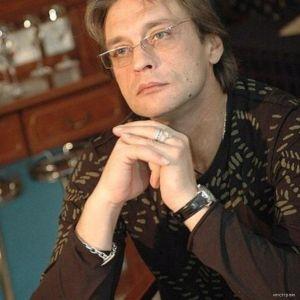 Подробнее: Александр Домогаров обещал рассказать правду о своей любимой