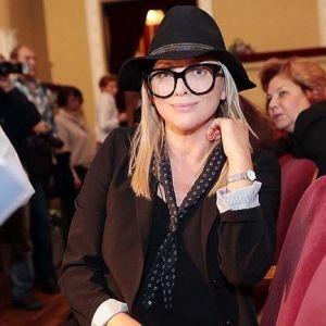 Подробнее: Ольга Дроздова пришла на сбор труппы в новом образе и с подросшим сыном