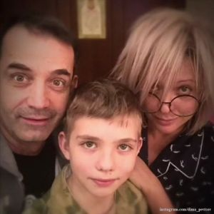 Подробнее: Ольга Дроздова под аккомпанемент 12-летнего сына прочитала стихи Высоцкого