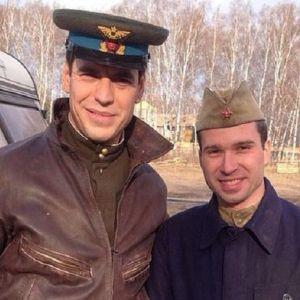 Подробнее: Дмитрий  Дюжев снова в роли отважного летчика.