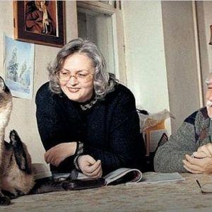 Подробнее: Армена Джигарханяна увезли в больницу, а его бывшая жена собирается в дом престарелых