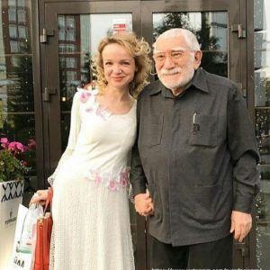 Подробнее: Бывшая жена Армена Джигарханяна отдала ему одну из своих квартир