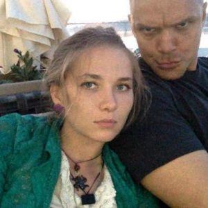 Подробнее: Владимир Епифанцев попал в секту, утверждает его жена