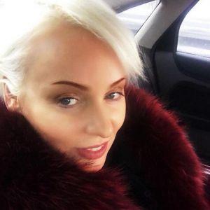 Подробнее: Жанна Эппле о пластике и параличе лица