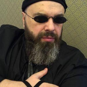 Подробнее: Макса Фадеева задержали в аэропорту