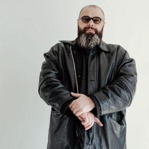 Подробнее:  Макс Фадеев показал, как выглядел в двадцать лет