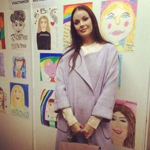 Подробнее: Оксана Федорова поразила сходством с мамой