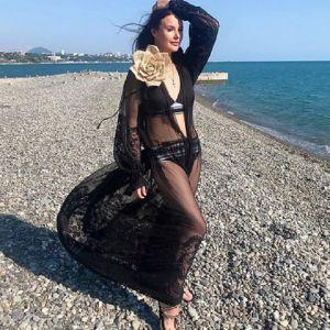 Подробнее: Оксана Федорова устроила пляжную фотосессию в бикини и прозрачной тунике