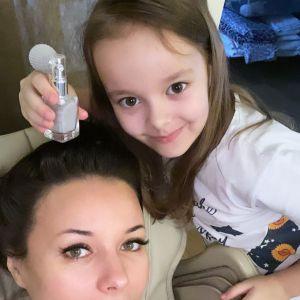Подробнее: Оксана Федорова показала, как танцует с веером ее 6-летняя дочь