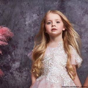 Подробнее: Дочь Максима Галкина Лиза станцевала под песню Бейонсе