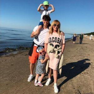 Подробнее: Алла Пугачева с мужем и детьми провела пару дней на Кипре