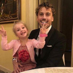 Подробнее: Максим Галкин посетовал, что не может обыграть дочь в домино